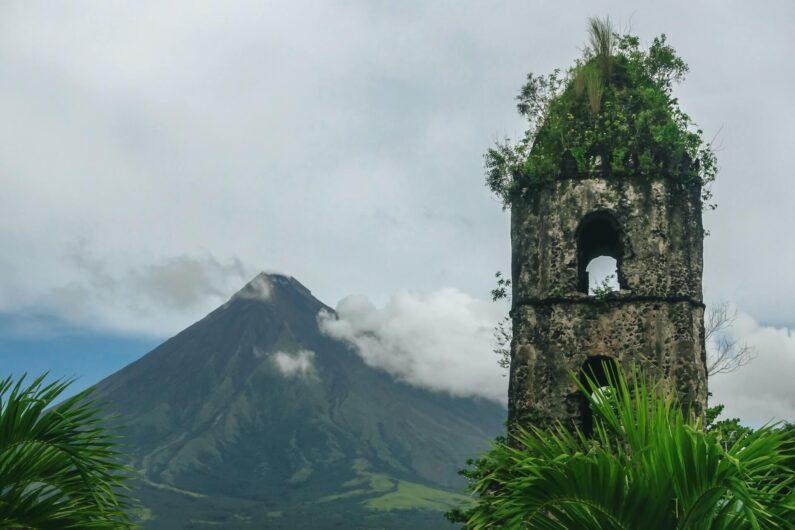 山の土壌からの細菌種の発見 フィリピン、アジア人にとって画期的なメイヨン