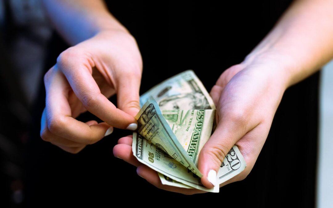 フィリピン中央銀行が7月に海外フィリピン人からのドル送金の増加を報告